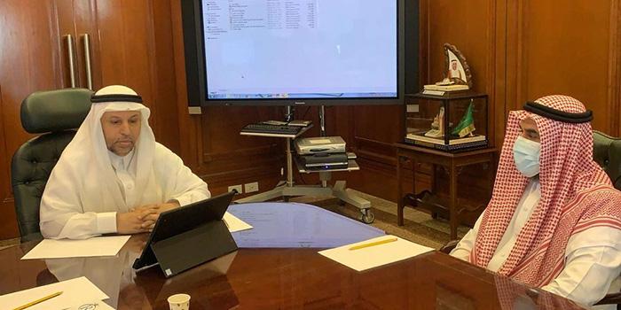 معالي رئيس الجامعة يدشن الموقع الإلكتروني وأعمال الملتقى العلمي الثاني لطلاب وطالبات فرع رابغ تحت شعار (مجتمع حيوي وتنمية مستدامة)
